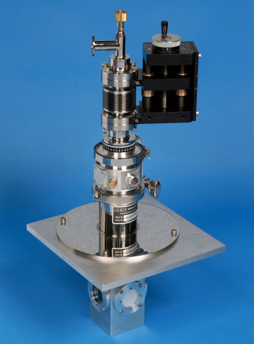 Cryostat with Linear Manipulator