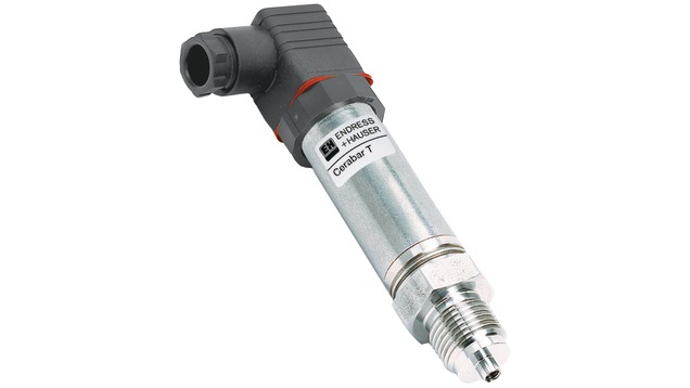 Cost-effective pressure transducer with metal sensor for measurement in gases, steam or liquids